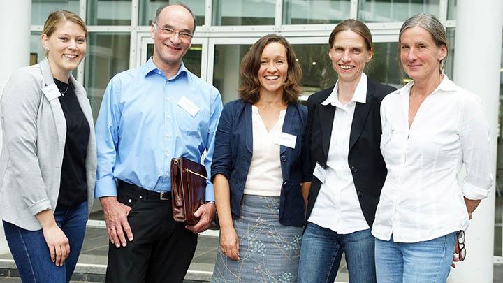 Eröffneten das erste Kitaleitungsforum: (v.l.) Kristina Hellweg (Kita & Co), Hans-Ulrich Höhl (Carina Stiftung), Claudia Raabe (Blickwechsel e.V.), Martina Soddemann (Kreis Herford) und Christina Altenbernd (Bildungsbüro).