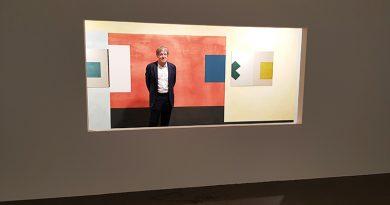 Ernst Caramelle in seiner Installation, Foto: Marta Herford