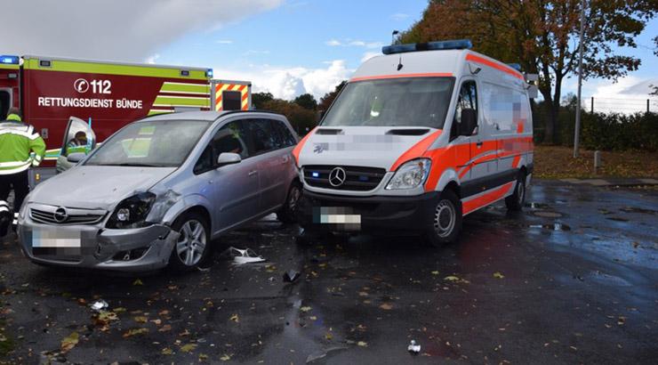 Zusammenstoß mit einem Krankentransportwagen