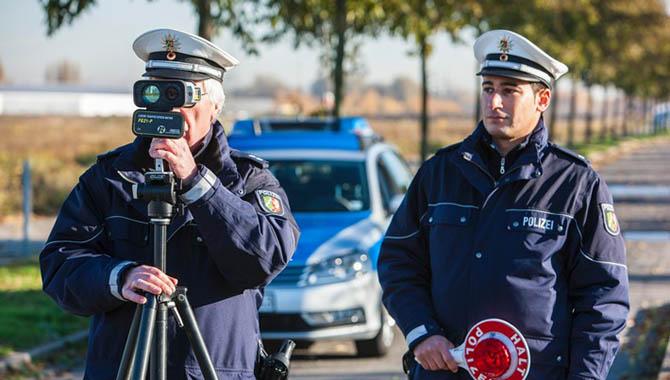 Geschwindigkeitsmessungen auf der Bundesstraße 239 - Fahrverbot für Raser
