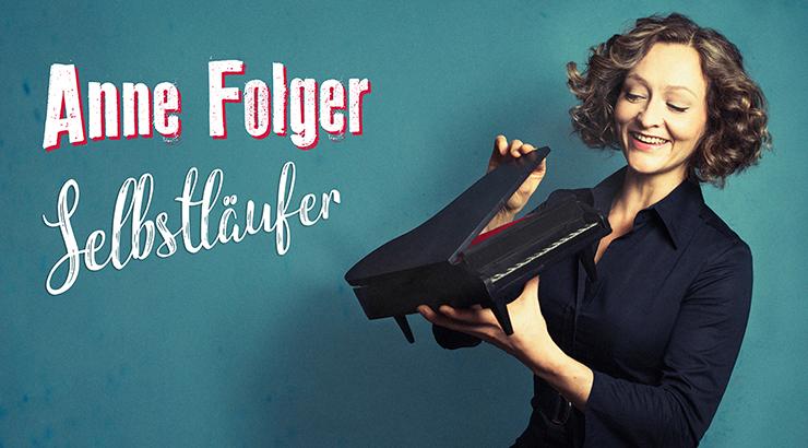 """Kirchlengern. Im Rahmen der Reihe """"Kultur im Forum"""" ist Anne Folger, bekannt aus dem früheren Duo Queenz of Piano, zu Gast im Forum der Erich Kästner-Gesamtschule (In der Mark 30). Sie präsentiert am Samstag, 30. März 2019, um 20 Uhr ihr neues Solo-Programm """"Selbstläufer""""."""