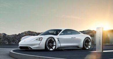 """""""Der Taycan wird das sportlichste und technisch fortschrittlichste Fahrzeug in seinem Segment – ein echter Porsche."""""""