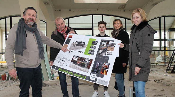Björn Laffontien, Thomas Liese (auch Laffontien Catering), Fynn Laffontien, Silke Laffontien, Silke Mittmann (Pro Herford) zeigen den zukünftigen Stand von Familie Laffontien