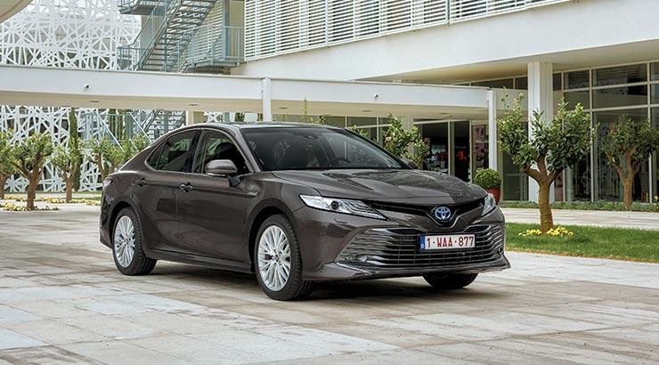 DER CAMRY ZÄHLT WELTWEIT zu den wichtigsten Modellen von Toyota. Seit 1982, als die erste Generation auf den Markt kam, haben wir mehr als 19 Millionen Exemplare verkauft.