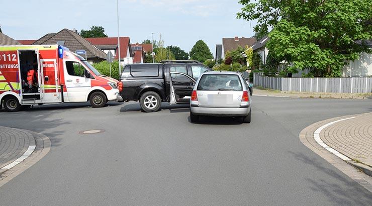 Verkehrsunfall - Nissan-Fahrer missachtet Vorfahrt