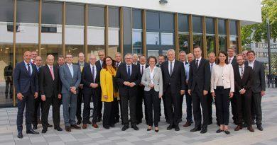 BU: Ministerin Ina Scharrenbach, Ministerin für Heimat, Kommunales, Bau und Gleichstellung des Landes Nordrhein-Westfalen zu Gast beim Finanzausschuss des Landkreistages NRW.