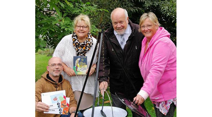 Kochen, lesen und zelten im Garten
