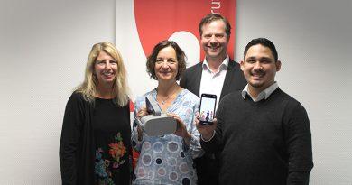 Frauke Schwietert, Vicki Salata, Olaf Craney (hinten) und Ricardo Ngo freuen sich über die neuen Möglichkeiten der Lebensbegleitenden Berufsberatung.