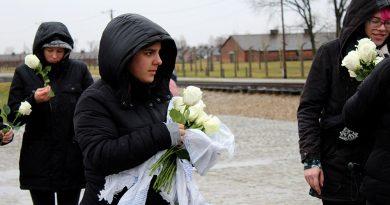 Auschwitz darf nie wieder geschehen