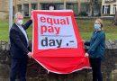 Symbol für Lohnunterschied: Equal Pay Day 2021